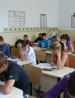 Elevii își verifică cunoștințele acumulate prin examenele de evaluare națională