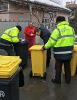 Sucevenii care locuiesc la casă vor primi pubele pentru deșeuri
