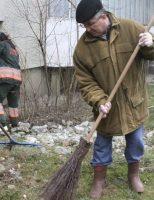 A început curățenia de primăvară în Suceava
