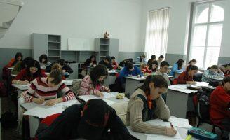 Noutăți pentru elevii suceveni privind structura anului școlar 2020-2021