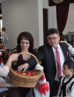 Împărțirea oului sfințit în comunitatea polonă din Suceava