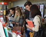 Bibliotecile sătești din regiunea Cernăuți duc lipsă de carte românească