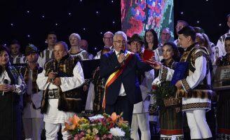 """A doua zi de aniversare a Ansambului Artistic """"Ciprian Porumbescu"""" Suceava"""