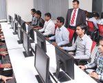 Studenţii cer reducerea taxei de şcolarizare pentru învăţământul online