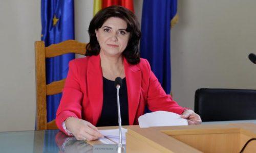 """<h2><a href=""""https://nest-tv.ro/ministrul-educatiei-a-anuntat-noul-calendar-de-organizare-si-desfasurare-a-examenului-de-bacalaureat/"""">Ministrul Educaţiei a anunţat noul calendar de organizare și desfășurare a examenului de Bacalaureat</a></h2>"""